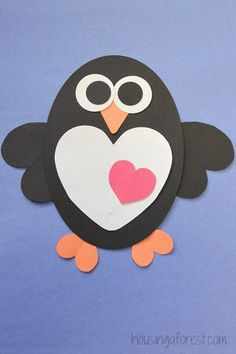 Winter often brings to mind thoughts of intricate snowflakes, frosted windows, and polar bears, but no winter is complete without a few cute penguin craft ideas as well. It& no wonder that a cuddly penguin craft is often the favorite of our kids. Winter Crafts For Toddlers, Animal Crafts For Kids, Crafts For Kids To Make, Toddler Crafts, Easy Crafts, Kinder Valentines, Valentine Day Crafts, Holiday Crafts, Penguin Craft