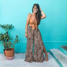 """Thais Dutra Sá on Instagram: """"Ja comecei a planejar algumas viagens para esse ano e me veio logo na cabeça a @latiendaa! A loja está com duas araras de """"compre 3 leve 4""""…"""" 30 Outfits, Outfits With Converse, Casual Outfits, Summer Outfits, Fashion Outfits, Fashion Trends, Fashion Women, Work Looks, Looks Style"""
