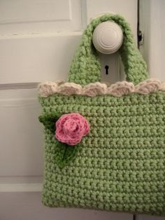 sweetpea tote | yarnaway: a crochet scrapbook