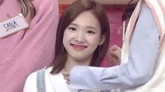 WHY DO I STAN THEM (original vid : blackwhite) [taken from : twxgf.tv on ig] #Nayeon #Jihyo #Momo #Sana #Mina #Tzuyu #Dahyun #Chaeyoung #Jeongyeon #TWICE #트와이스  #ONCE #JYP #나연 #Bunnyeon #CherryNayeon #GIF #TwiceVideo #kpopfunny