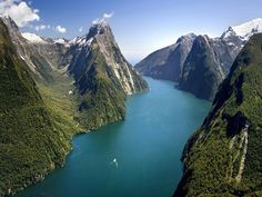 52 of the world's best tourist attractions that actually live up to the hype - Milford Sound (South Island, New Zealand)