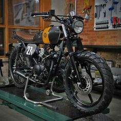 Yamaha brat style