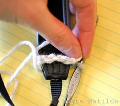 Crochet Camera Strap Cover Tutorial/  OMG, YES!!! This is my mini project for next friday!!!