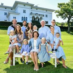 July 2017 - New official photo of the Swedish Royal Family