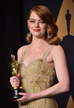 Emma Stone won best actress in a leading role at Oscars. #Oscars #EmmaStone #BestActress #LeadinRole