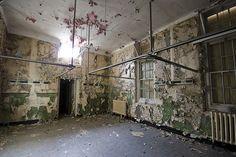 Cambridge Military Hospital,  Aldershot,  Hampshire.  Cambridge Military Hospital by Richard-James, via Flickr