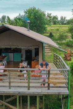 AfriCamps at Ingwe bied gerieflike selfsorg-glanskamptente en is ideaal geleë in The Crags in Plettenbergbaai. Dié kampplek is 'n avontuurlustige en natuurliefhebber se droom ─ 'n mens kan die Tuinroete verken of net op die privaat dek ontspan en die rustigheid en geluide van die Ingwe-woud geniet. Van, Outdoor Decor, Home Decor, Gelee, Decoration Home, Room Decor, Vans, Home Interior Design, Home Decoration