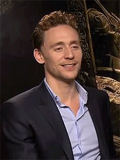 the-haven-of-fiction:  cheers-mrhiddleston:  x  Laughing SAF is always a balm.