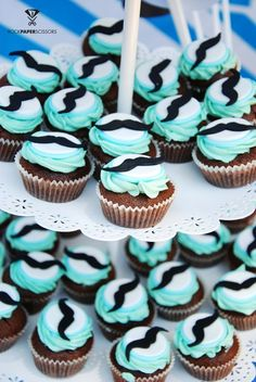 Cupcakes at a Little Man Mustache Party #littleman #mustachepartycupcakes