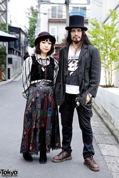 We spotted Maco and Uraguchi Nyugaku in #Harajuku. Her look features items from several popular Tokyo dolly kei/vintage shops - Grimoire, Tarock & Qosmos. His look features a top hat, round glasses & lots of silver jewelry. Check all of their street snaps here! #tokyofashion