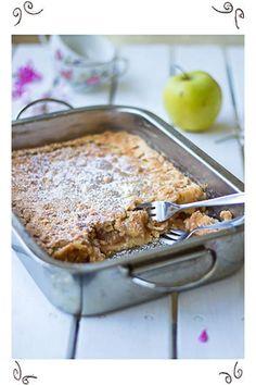Kuchen Oma Family recipe for my granny's famous apple pie (shortcrust) Apple Pie Recipes, Sweet Recipes, Baking Recipes, Apple Pies, Mini German Pancakes, Granny's Recipe, German Baking, Austrian Recipes, English Food