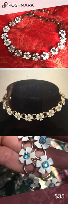 Gorgeous Vintage Adjustable Choker White enamel painted flowers 🌺 blue rhinestone center, gold tone chain. Elegant, sexy and innocent at the same time. Lovely!!! 👍❤️⭐️🌺 Jewelry Necklaces
