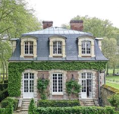A classically decorated house in the park of a castle near Paris - My Dream Home Ideas Casas The Sims 4, French Style Homes, Hill Interiors, Cute House, French Country House, French Cottage, House Goals, Home Fashion, My Dream Home