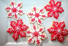Love the way these are decorated- Decorated Christmas Sugar Cookies