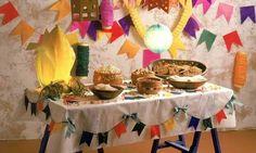 Mesa pequena para decoração de Festa Junina | DICA DRICA TURCA DELUXE BRANDS