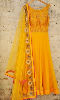 A gorgeous bright yellow anarkali from Amrita Thakur! Simple and elegant definitely <3 this look for spring!  #asianwedding #asianbride #asianweddingsuit #asianbridaloutfit #asianyellowsuit #yellow #asianbride.me #yellowdresssuit #yellowanarkali #anarkali
