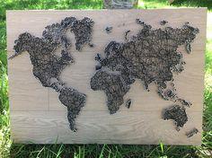 mappemonde en string art string art world map String Art Diy, String Crafts, True World Map, Travel Gallery Wall, Wooden Map, Creation Deco, Pin Art, Diy Home Crafts, Fun Crafts