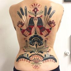 Who knew tattoos could be so fun and vibrant?Scroll down to see the brilliant tattooist unveil the most colorful and vintage tattoos! Xoil Tattoos, Tattoos Mandala, Kunst Tattoos, Body Art Tattoos, Sleeve Tattoos, Geometric Tattoos, Tattoo Art, Vintage Tattoos, Unique Tattoos
