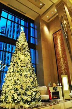 Dazzling hotel Christmas trees - Telegraph