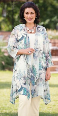 Find the right plus-size mother of groom dress for the season Summer dresses for girls and girls: A little girl, dressed like a ginger dress. Wedding Dresses For Curvy Women, Wedding Dresses Plus Size, Plus Size Dresses, Plus Size Outfits, Fashion Over 50, Trendy Fashion, Plus Size Fashion, Womens Fashion, Fashion Ideas