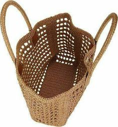 Dolce & Gabbana Raffia Tote - - replicabile con rafia o spago . Barneys New York Site ◆◇◆◇◆◇◆ Could make this out of recycled plastic bags ~! Free Crochet Bag, Crochet Market Bag, Crochet Tote, Crochet Handbags, Crochet Purses, Crotchet Bags, Knitted Bags, Crochet Accessories, Beautiful Crochet