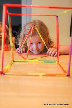 Kids will love making shapes with this fun, hands on math activity using straws and pipe cleaners. Preschool Math, Math Classroom, Kindergarten Math, Fun Math, Teaching Math, Motor Activities, Educational Activities, Activities For Kids, 3d Shapes Activities