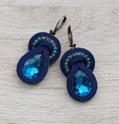 Earrings are made with embroidery technique of soutache braid. (Soutache technique is a laborious and difficult embroidery technique that requires many hours of work that gives excellent results in the handmade jewelry. ) Made of soutache cord, czech crystal beads, Miyuki tila beads,
