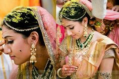 Jewellery Designs: Bride with Diamond Manga Mala