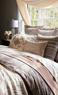 Muted shades of mauve, rust and plum lend a California Mediterranean appeal to the Portola Bedding Collection. The cotton percale features a stonewashed patchwork paisley floral motif, adding to the vintage aesthetic of the collection.
