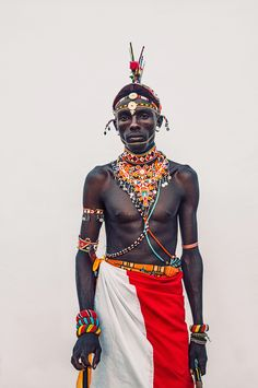 "Samburu Warriors by Dirk Rees. ""The Samburu people are a semi-nomadic tribe whose livelihood is dependent on the cattle, sheep and goat they raise. There is estimated to be Samburu people living in the central Rift Valley of Kenya. Africa Fashion, Tribal Fashion, Ankara Fashion, Mens Fashion, Cultures Du Monde, World Cultures, Black Is Beautiful, Beautiful People, Afrique Art"