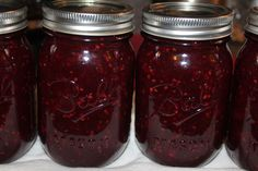 blackberry honey jam  made with just 4 ingredients and no white sugar or store bought pectin!