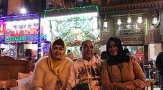 "Julia Perez melanjutkan perjalanan dengan berlibur ke Mesir |PT Solid Gold Berjangka Cantik n sholehah kak jupe kalo pakek hijab… Jangan d lepas yaa kak @juliaperrezz,"" kata akun nymasephillina. ""…"