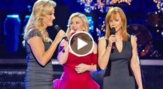 Reba McEntire and Trisha Yearwood joined Kelly Clarkson in a stunning performance of the holiday classic...