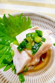楽天が運営する楽天レシピ。ユーザーさんが投稿した「フグにも負けない美味しさ~鯛の白子ポン酢~」のレシピページです。お手頃な価格の鯛の白子もお魚屋さんに教えてもらった茹で方で~とろっと美味しくいただきました(#^.^#)。白子ポン酢。鯛の白子,お水,大葉,ポン酢,刻みネギ,一味