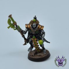 Necrons - Lord #ChaoticColors #commissionpainting #paintingcommission #painting #miniatures #paintingminiatures #wargaming #Miniaturepainting #Tabletopgames #Wargaming #Scalemodel #Miniatures #art #creative #photooftheday #hobby #paintingwarhammer #Warhammerpainting #warhammer #wh #gamesworkshop #gw #Warhammer40k #Warhammer40000 #Wh40k #40K #heldrake #chaos #warhammerchaos #warhammer40k #zenos #Necrons #lord Warhammer 40000, Tabletop Games, Gw, Scale Models, Lord, Miniatures, Creative, Painting, Animals