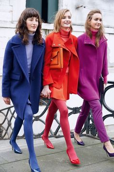 Fashion: trends, outfit ideas, what to wear, fashion news and runway looks Mode Monochrome, Monochrome Outfit, Monochrome Fashion, Colorful Outfits, Colorful Fashion, Colorful Clothes, Bold Fashion, Fashion Mode, Fashion News