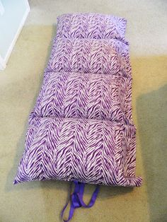 The Craft Mess: Tutorial: Pillowcase Sleep-mats. Used Princess pillowcases for my 4 year old, she loves it!
