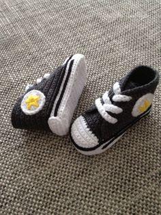 Crochet baby sneakers FREE SHIPING by ZaznajkaDesign on Etsy, kr320.00