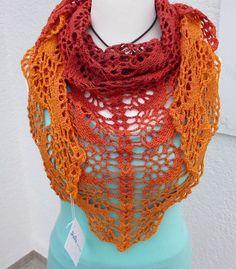 écharpe avec joli dégradé et nombreuses options de transport au crochet