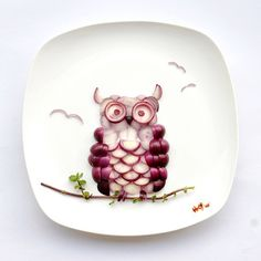 Edible Art for your most finicky eaters!  http://www.momincdaily.com/uncategorized/make-edible-art/