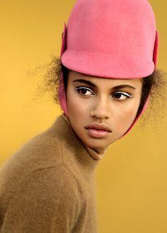 Ester Grass Vergara Photography | Styling: Hannah van Well Hair & Make-up:...