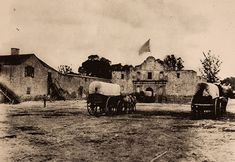 "The Alamo when it was being used for storage. Wagons Trains in South Texas. By Hugh Hemphill, author of ""San Antonio On Wheels"" and ""The Railroads of San Antonio and South Central Texas."" Courtesy: The Texas Transportation Museum, San Antonio, Texas (USA) Texas History, Us History, Mexican American War, American History, Republic Of Texas, Loving Texas, Le Far West, Old West, Historical Photos"