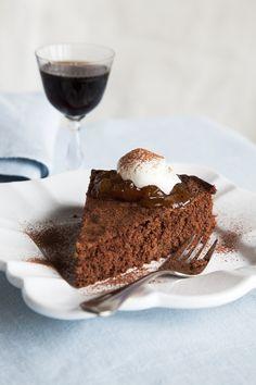 Gluteeniton suklaakakku   Gluteeniton, Makea leivonta   Soppa365 Tiramisu, Pie, Baking, Ethnic Recipes, Desserts, Food, Torte, Tailgate Desserts, Cake