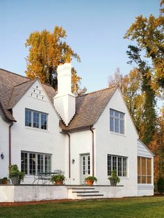 Cotswold House Exterior - Traditional - Exterior - Raleigh - by James S. White Stucco House, Simple House Exterior, Exterior House Colors, White Siding, Stucco Exterior, Stucco Homes, Exterior Design, Exterior Homes, Exterior Paint