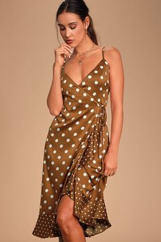 You will look as charming as can be in the Lulus Love Dottie Brown Polka Dot Satin Wrap Dress! Satin polka dot wrap dress with ruffled high-low hem. Dresses For Teens, Trendy Dresses, Dresses Online, Nice Dresses, Wrap Dresses, Women's Dresses, Backless Maxi Dresses, Satin Dresses, Long Sleeve Mini Dress