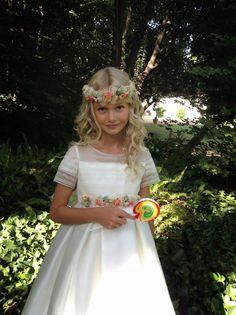 Josefina Huerta Communion Dresses, First Communion, Special Occasion, Flower Girl Dresses, Princess, Wedding Dresses, Pretty, How To Wear, Beautiful