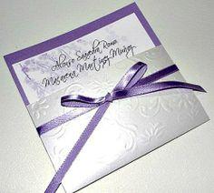 invitaciones para boda originales y elegantes | Invitación de boda lila. Foto: Lisbán