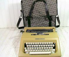 Olivetti Lettera 25 Typewriter Vintage Manual by DivineOrders, $128.00
