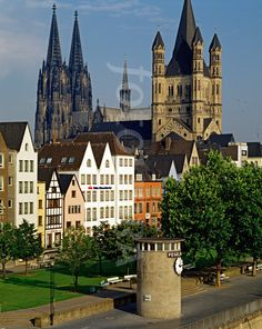 Cologne Cathedral and old town, Germany. Photo by: David A L Davies1985  http://www.fotolibra.com/gallery/443659/cologne-altstadt-and-dom-germany/