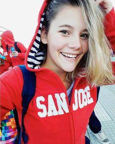 @josebesagonill y su cara de VIERNES #soylittleblue #camperasdeegresados #buzosdeegresados